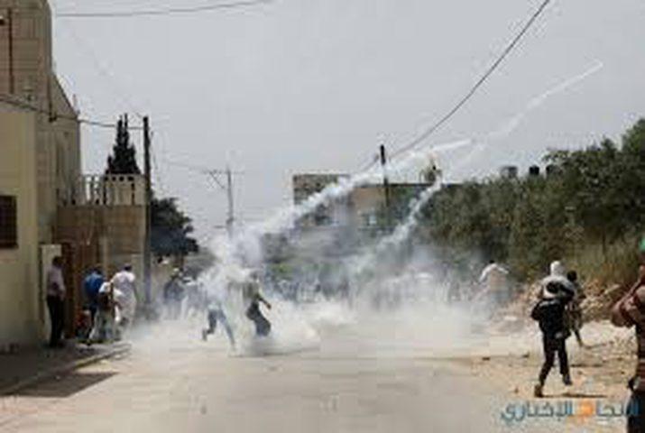 اصابات بالاختناق خلال قمع قوات الاحتلال مسيرة كفر قدوم