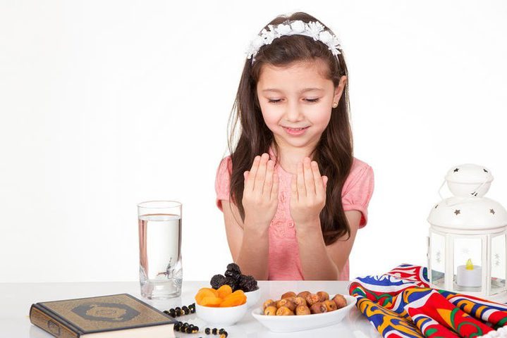 10 فوائد لصيام الأطفال وعادات احذريها