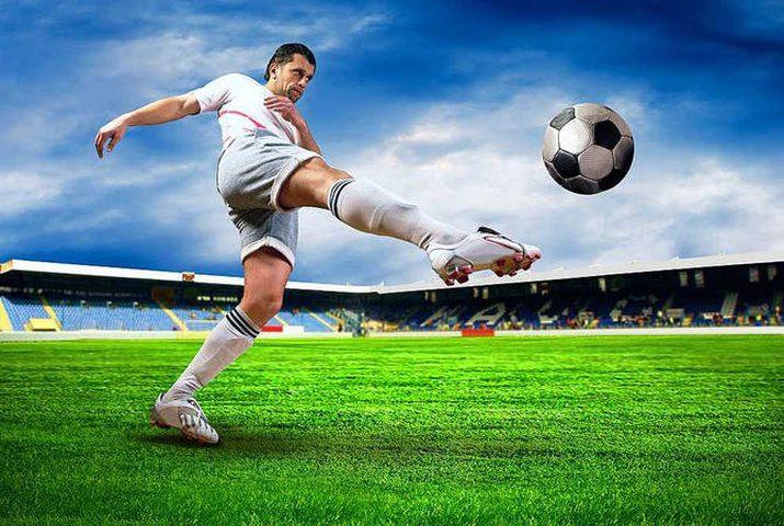 دراسة: لاعبي كرة القدم عرضة للموت نتيجة الاصابة بأمراض القلب