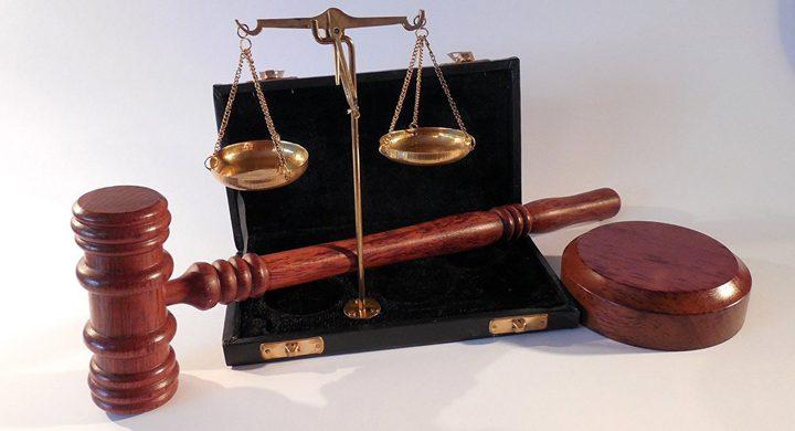 """محكمة سعودية تستعين بـ""""شاعر"""" لفض منازعة قضائية"""