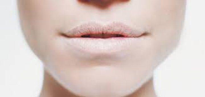 جفاف الفم عند الاستيقاظ من النوم يسبب مشاكل في الصوت