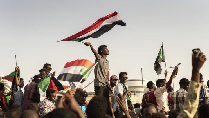 قوى الحرية والتغيير بالسودان تعلن إضراباً شاملاً