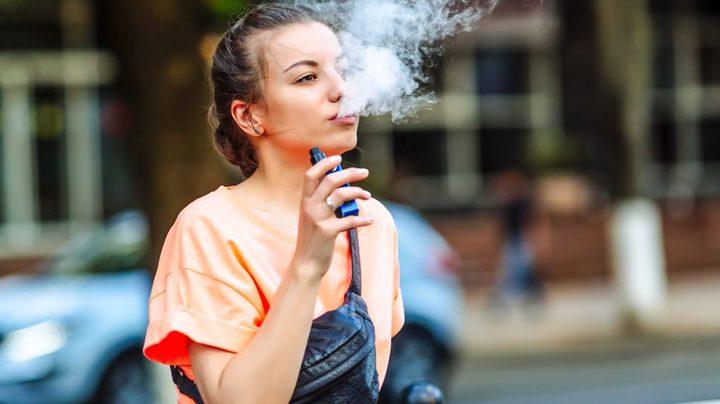 السجائر الإلكترونية تزيد خطر الإصابة بنوبة قلبية أو سكتة دماغية