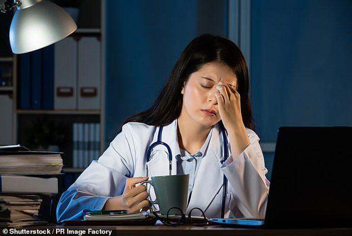 عمل النساء في النوبات الليلة لا يؤدي إلى إصابتهن بالسرطان