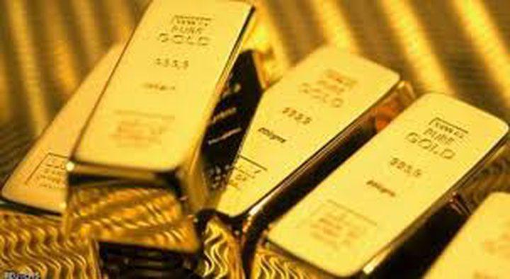 الذهب ينخفض مع ارتفاع الدولار والسندات ورغم مخاوف النمو
