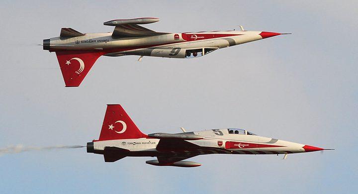 """طائرات تركية تضرب أهدافا في العراق.. و""""تحييد"""" 19 مسلحا"""