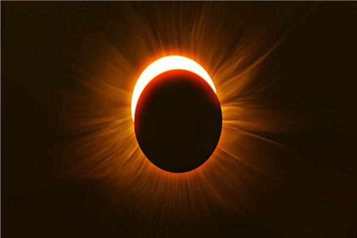 الأرض تشهد كسوفا كليا للشمس في غضون أسابيع
