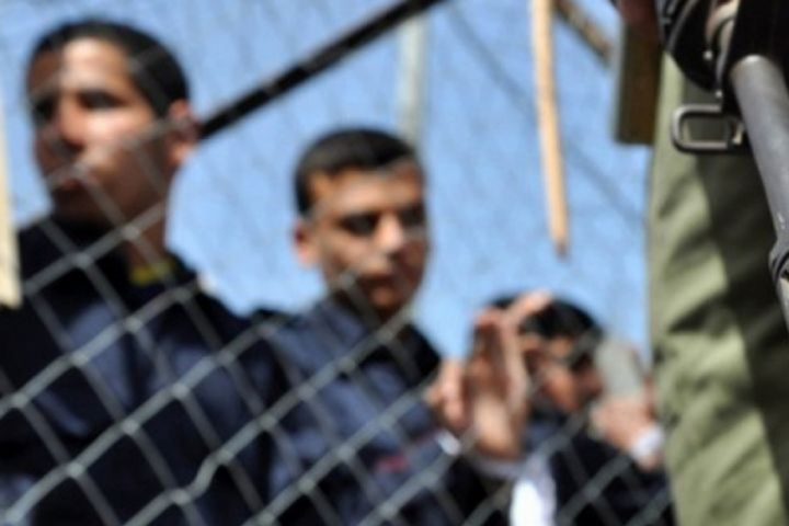 هيئة الأسرى: الاحتلال يُصدر أوامر اعتقال إداري بحق 30 معتقلا