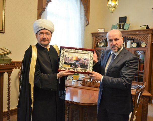 """الهباش يبحث مع مفتي روسيا فعاليات أسبوع القدس ودعم """"الأقصى"""""""