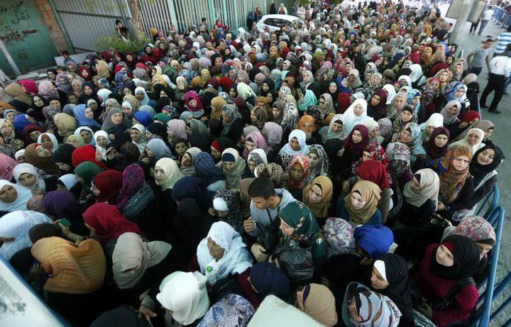 عشرات الآلاف يتوافدون الى الاقصى بالجمعة الاخيرة من رمضان