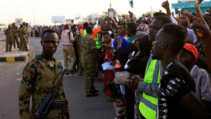 تجمع المهنيين السودانيين يؤكد تمسكه بمطالبه والمجلس العسكري يحذر