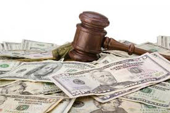 """أمريكية تربح تعويضًا بـ325 مليون دولار من """"جونسون آند جونسون"""""""