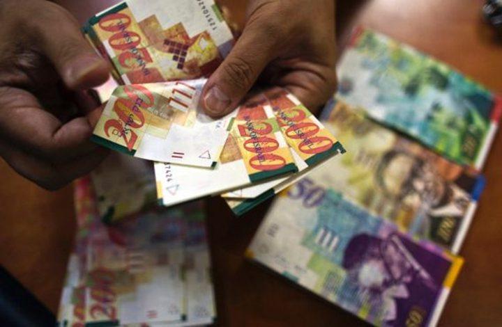 قناة عبرية: إسرائيل تحول أموال المقاصة للسلطة والأخيرة ترفضها