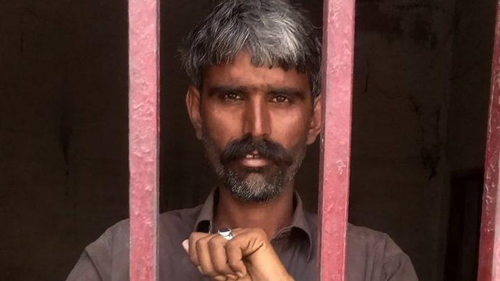 باكستاني يقتل زوجته بعد إصابتها بالإيدز