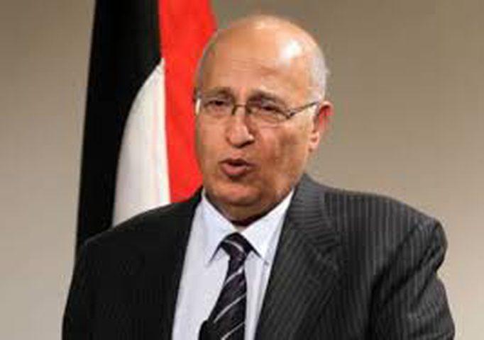 شعث يدعو للاعتراف بفلسطين لحماية حل الدولتين