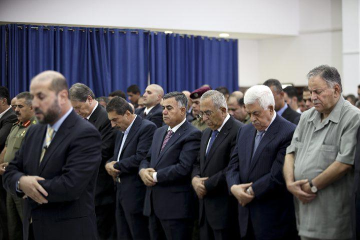 الرئيس يؤدي صلاة العيد في مسجد التشريفات بمقر الرئاسة