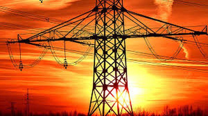 الاحتلال يخطر بوقف العمل وسيطرته على قواعد لمد خطوط الكهرباء بيطا