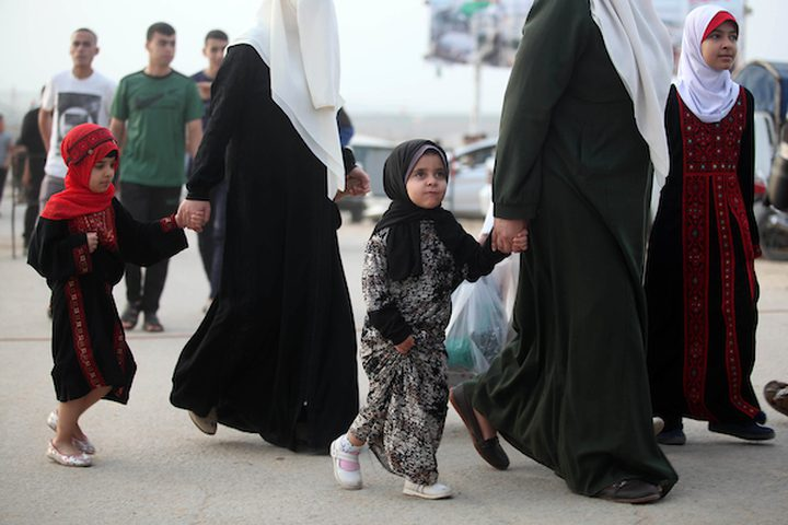 الظروف الاقتصادية تحرم عائلات غزة من زيارة أرحامها في العيد