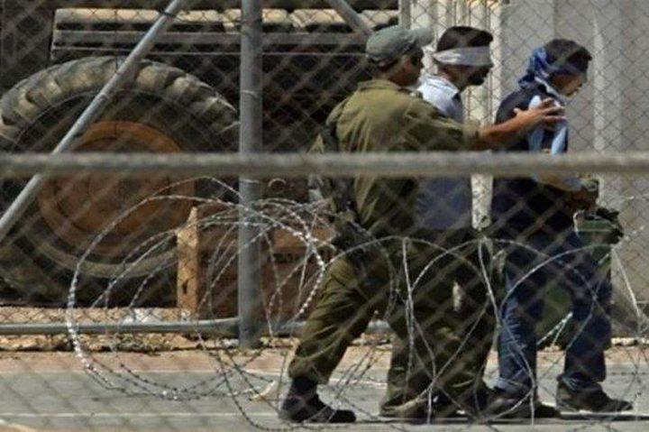 """الاحتلال يعتقل شابا بمنطقة """"خلايل اللوز"""""""