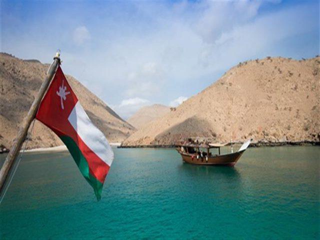 سلطنة عمان تفرض ضريبة 100% على الكحول والتبغ ولحم الخنزير