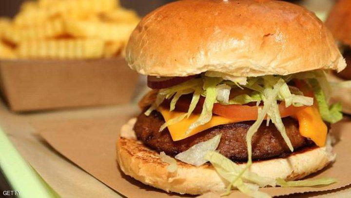 """مطاعم أميركية تحتال على الجائعين بـ""""البرغر النباتي"""""""