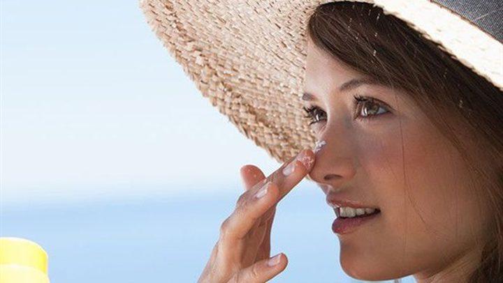 5 طرق لتجنب ظهور بقع الشمس على جلدك