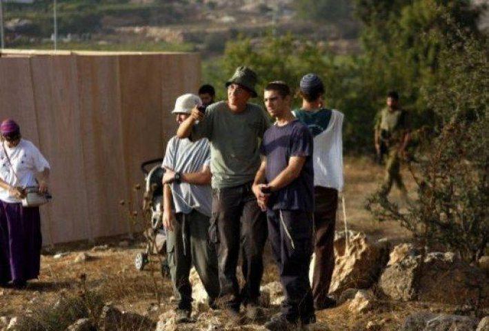 مستوطنون يحطمون قفل نبع مياه شمال نابلس