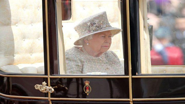 """سر """"دبوس الماس"""" الذي ترتديه الملكة إليزابيث في يوم ميلادها"""