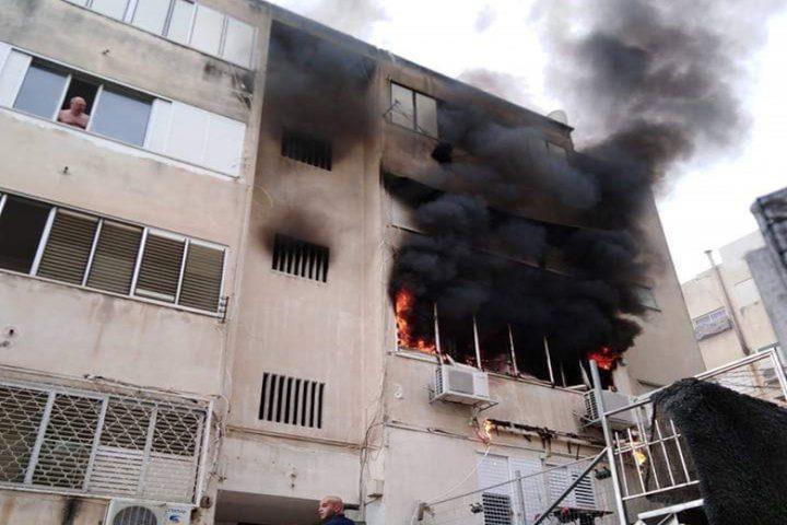 إصابة بحريق في بناية سكنية بحيفا