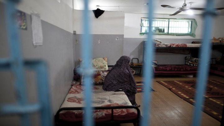 الأسيرات في سجن الدامون يهددن بالشروع في إضراب مفتوح عن الطعام
