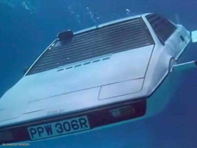 """شركة تسيلا تكشف عن تصميم """"السيارة الغواصة"""""""
