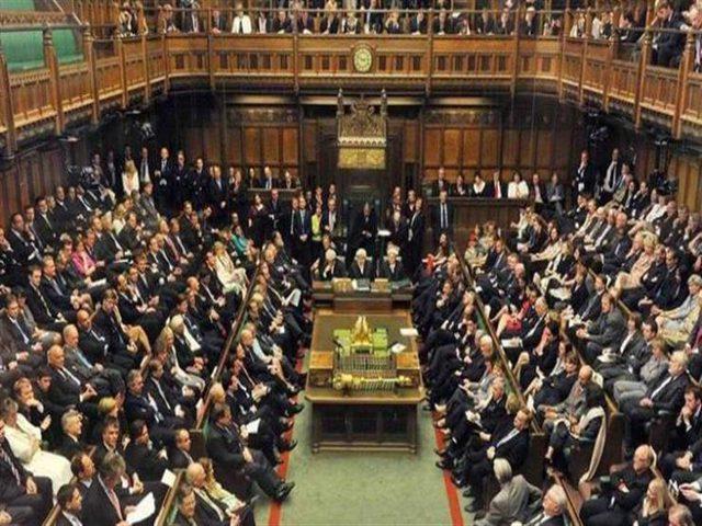 """جنود الاحتياط يصلون للبرلمان البريطاني لتحسين صورة""""اسرائيل""""للعالم"""