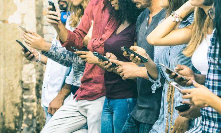 """غالبية فرضيات تأثير ادمان الهواتف على الحالة النفسية """"خاطئة"""""""