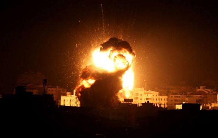 الاحتلال يشن سلسلة غارات جوية على مواقع مختلفة بقطاع غزة فجراً