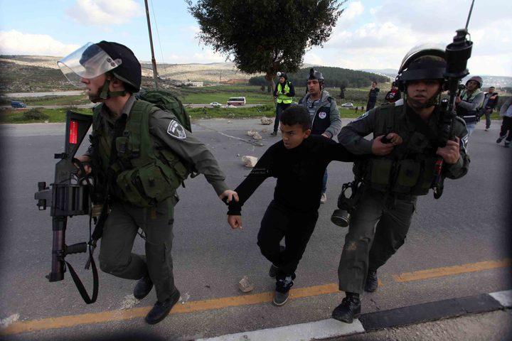 الاحتلال يعتقل فتى من مخيم جنين