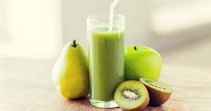 عصير الكيوي والتفاح الأخضر المنعش