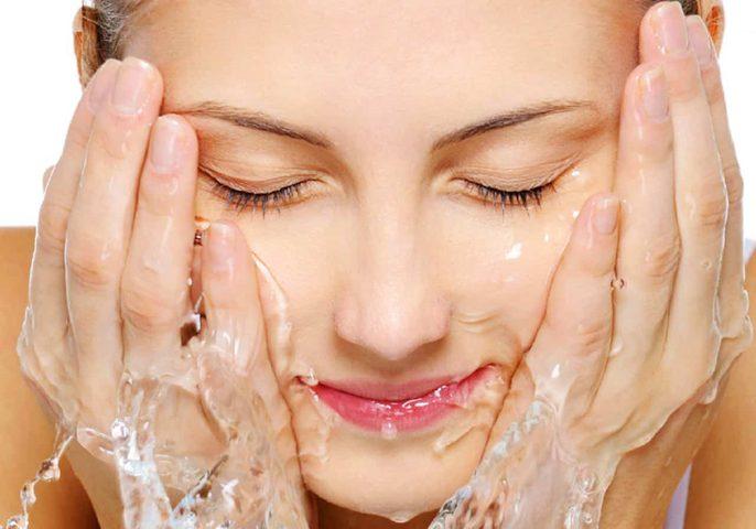 تعرفي على فوائد الماء البارد على بشرتك