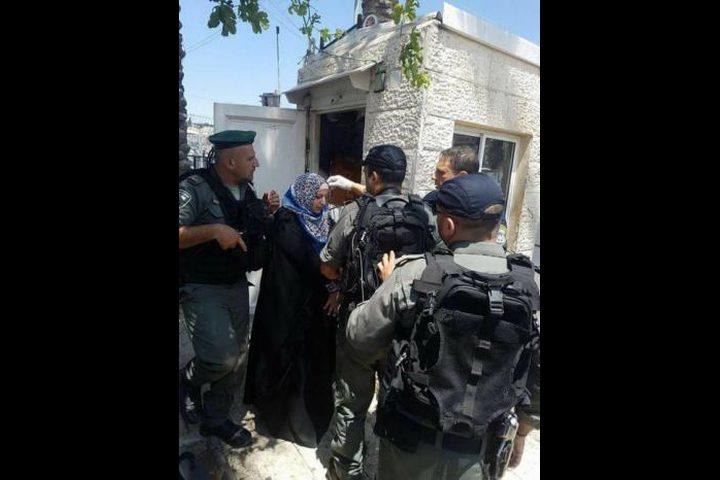 الاحتلال يعتقل فتاة من باب العامود
