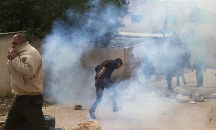 """الاحتلال يستهدف منازل المواطنين شرق رفح بـ """"مسيل للدموع"""""""