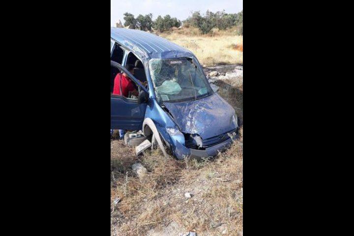 إصابات في حادث سير على مدخل إذنا