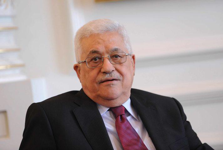 الرئيس عباس يلتقي رئيس لجنة الانتخابات المركزية