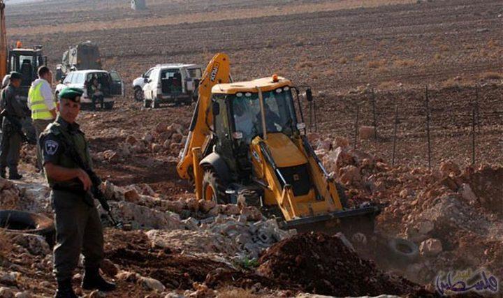الاحتلال يجرف أراض في خربة يانون جنوب نابلس