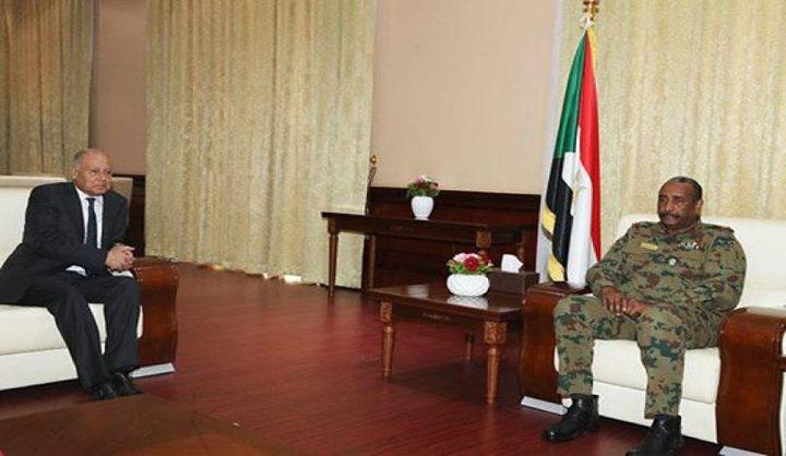 مباحثات بين البرهان وأمين عام الجامعة العربية بشأن السودان