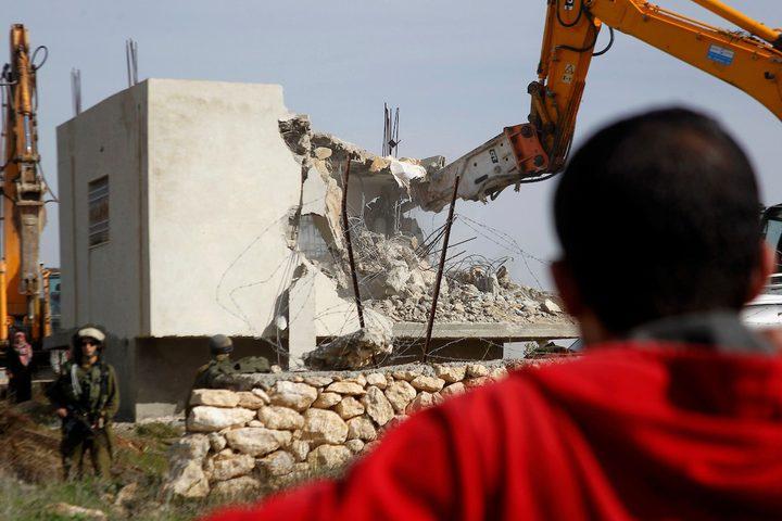 سلطات الاحتلال تجبر مواطنا مقدسيا على هدم منزله في سلوان