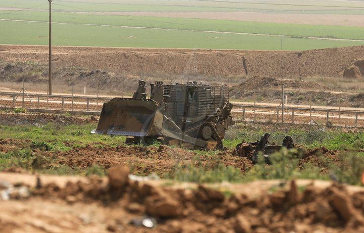 الاحتلال يجرف أراض في عوريف جنوب نابلس