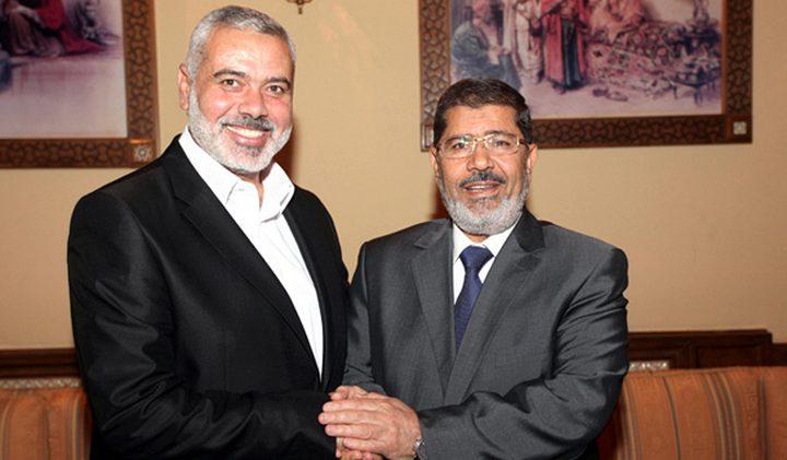 هنية يهاتف زوجة مرسي معزيًا