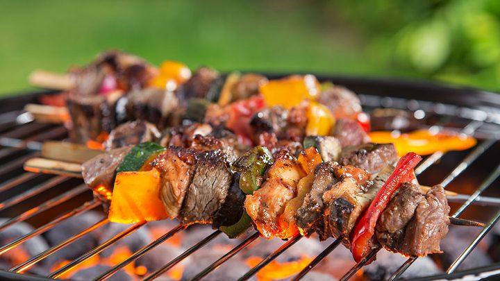 ما هي خطورة شوي اللحم على الفحم ؟