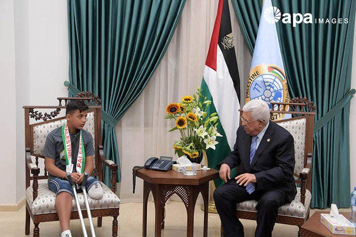 الرئيس يستقبل الطفل المصاب عبد الرحمن نوفل
