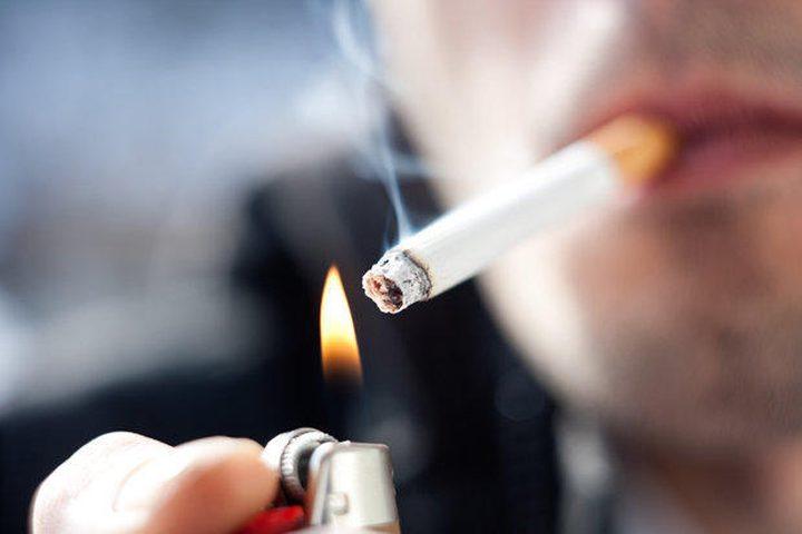 دراسة: المدخنون أكثر عرضة للمعاناة من ألم الظهر والمفاصل