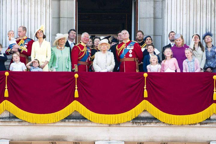 الأمير لويس يخطف الأنظار في عيد الملكة إليزابيث
